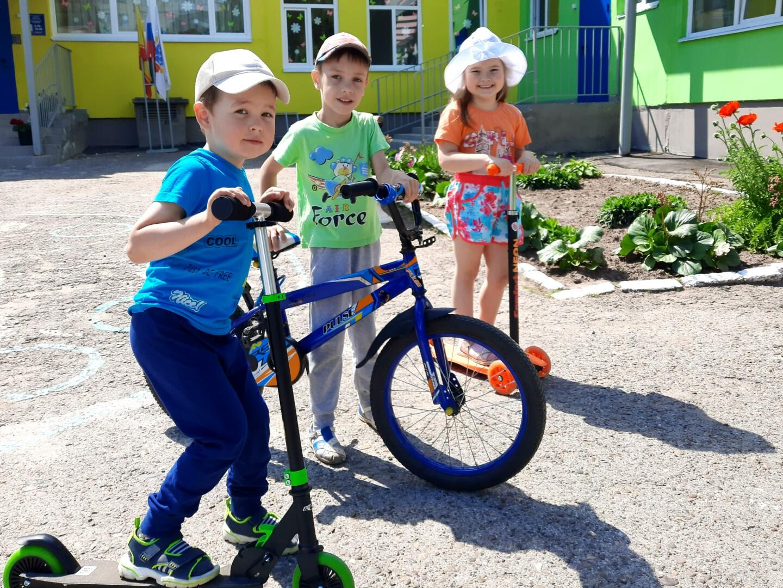 """""""Безопасность детей при катании на велосипеде и самокате"""""""